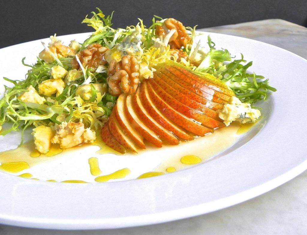 honey lemon forelle pears with stilton