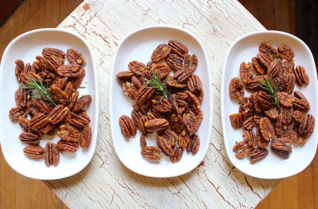 smoky rosemary roasted pecans