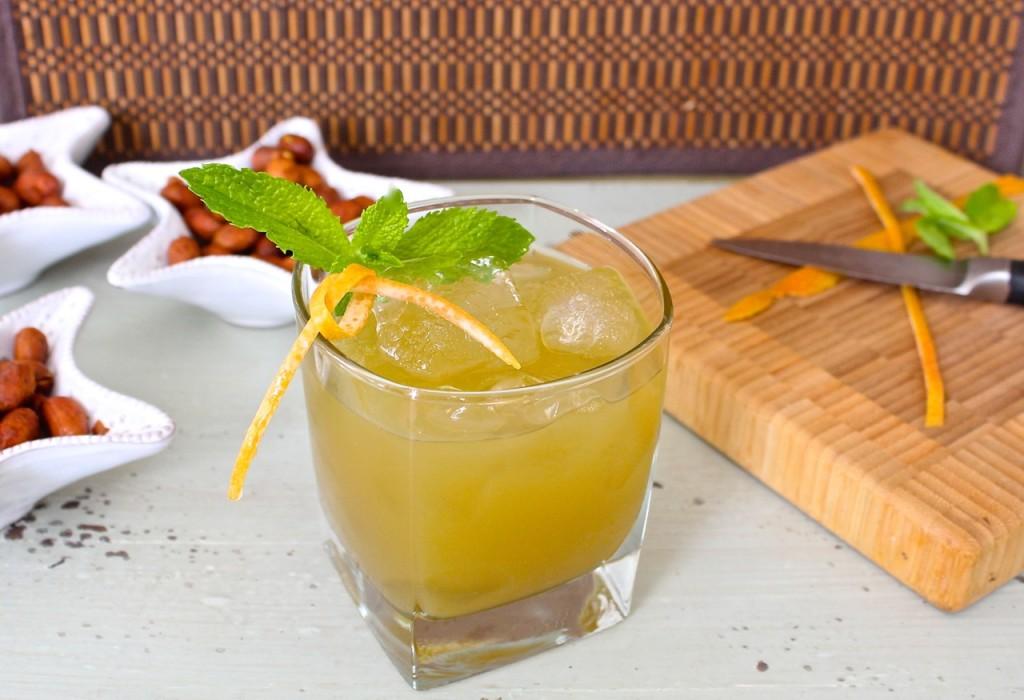 spicy grapefruit mint cocktail