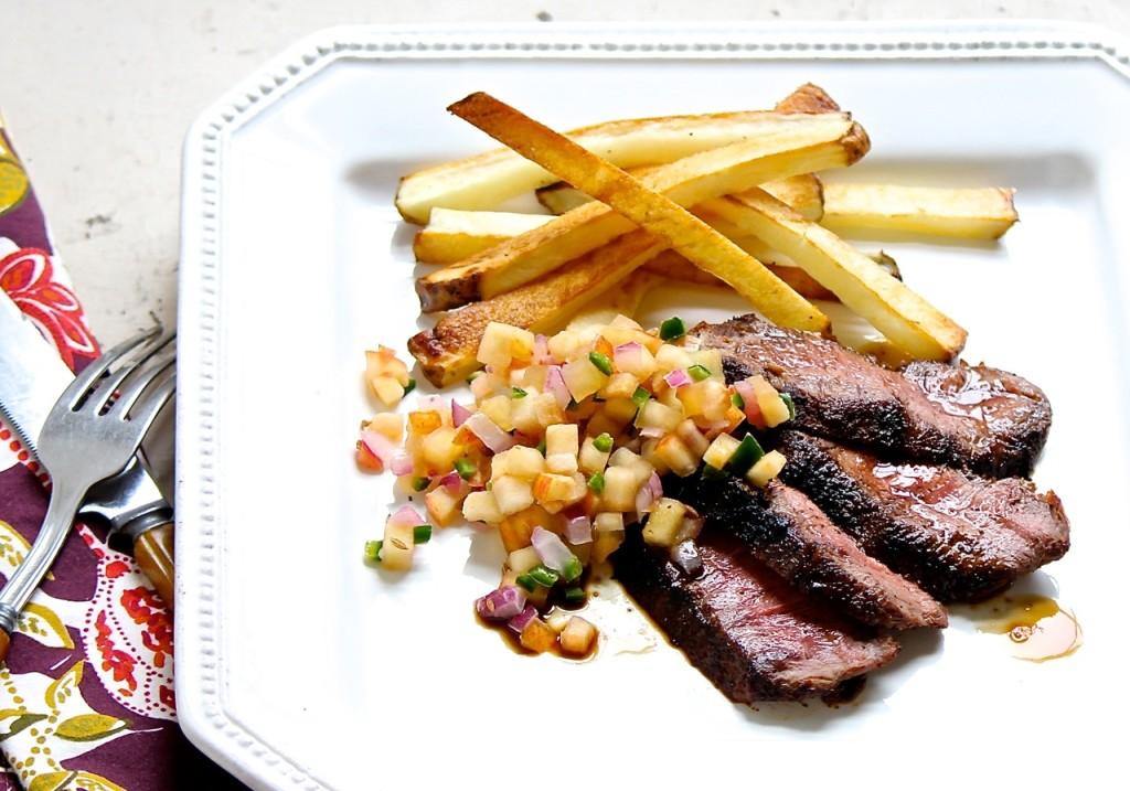 steak with apple jalapeño salsa
