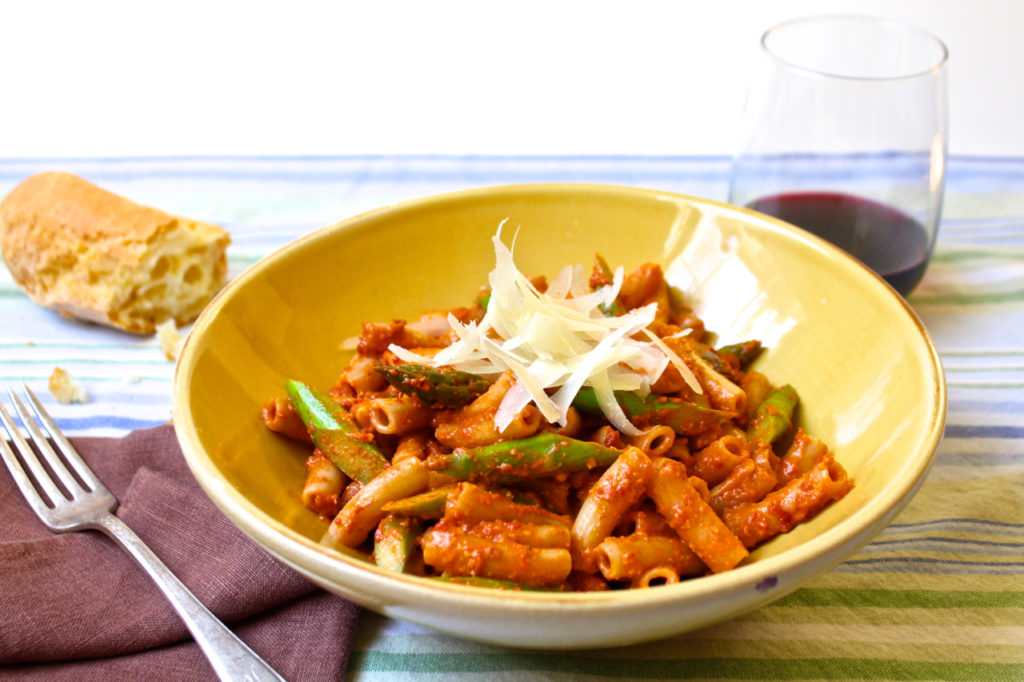 asparagus and tomato pesto pasta