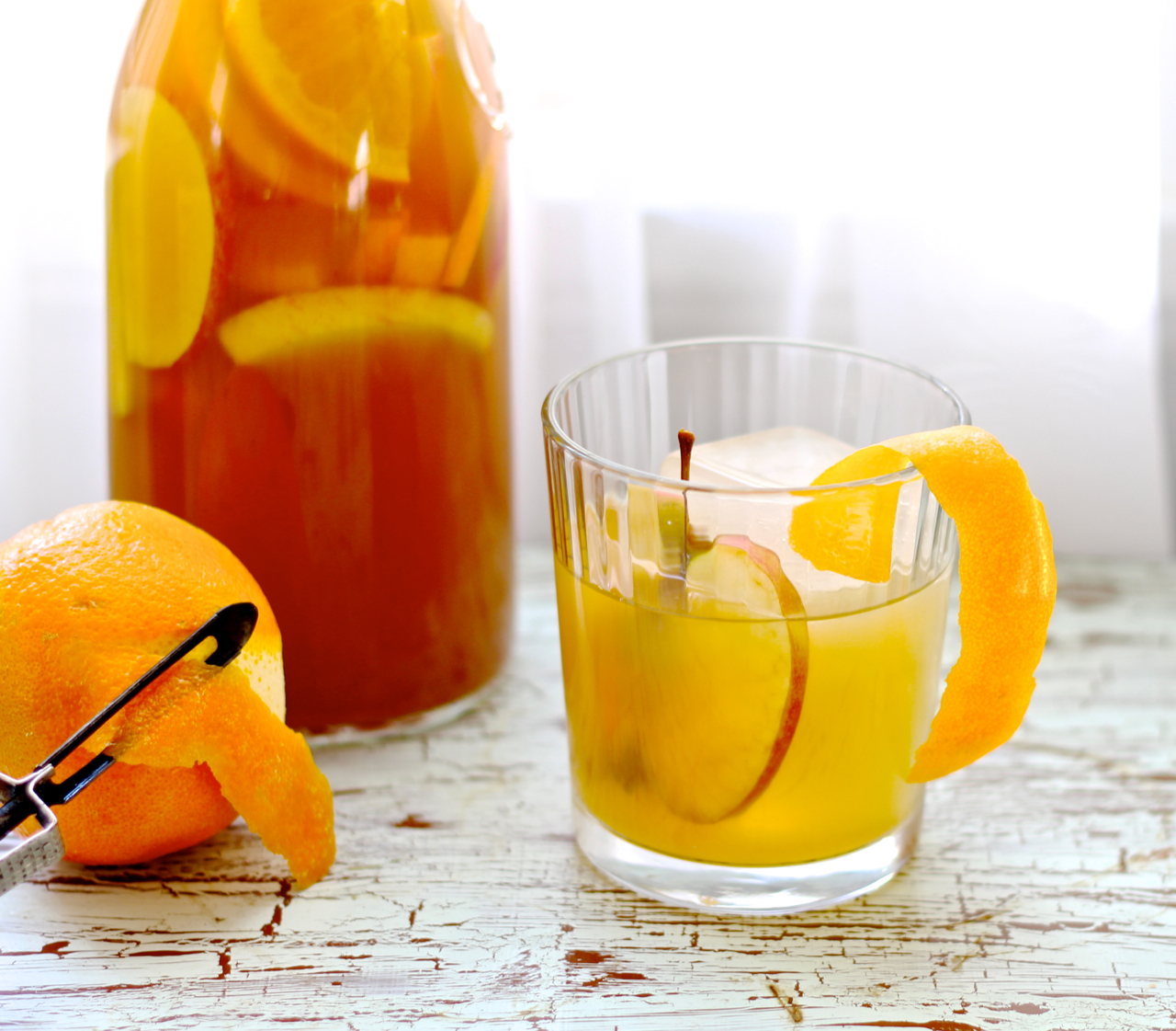 apples and oranges cocktail