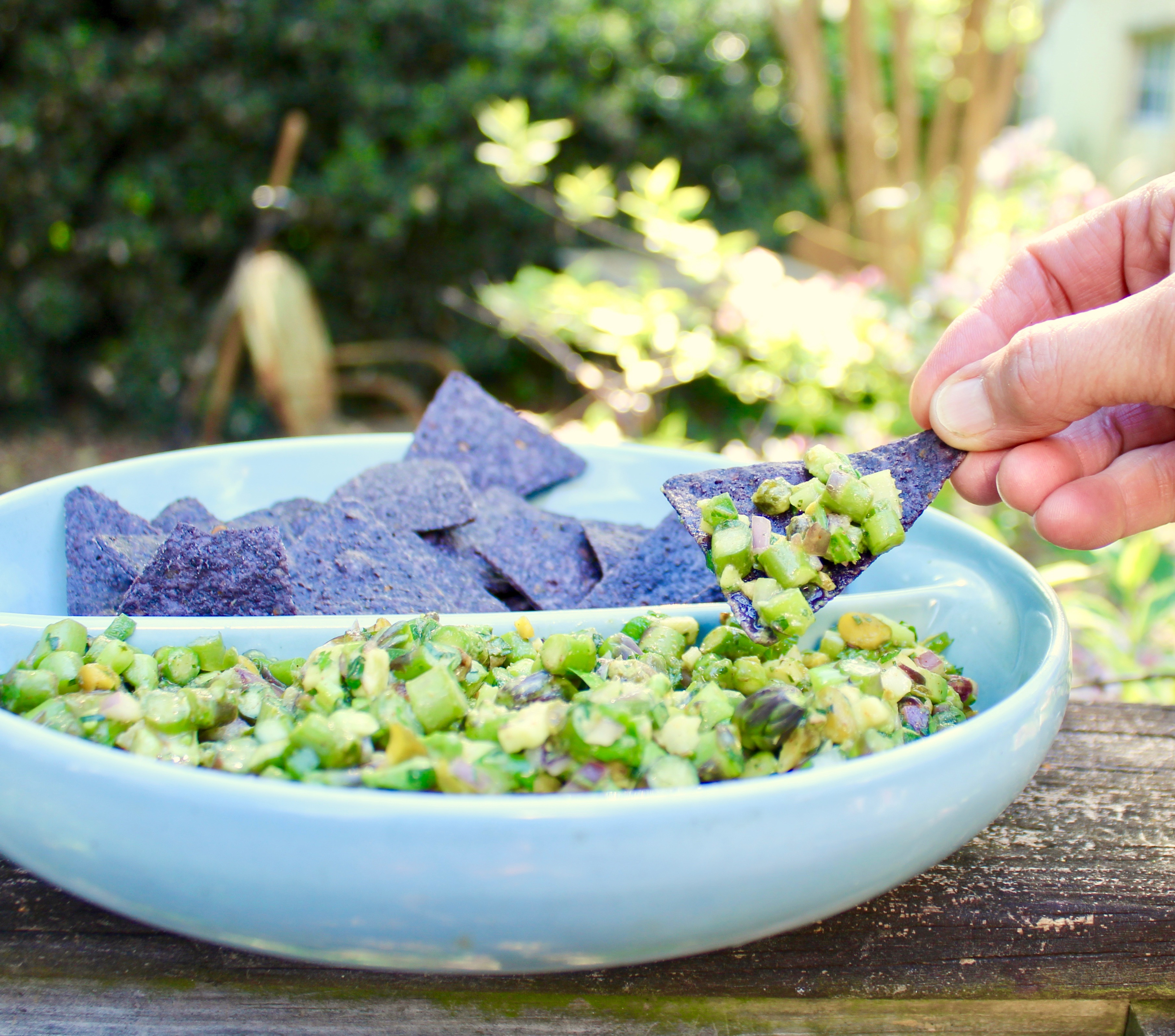 asparagus salsa verde with chips