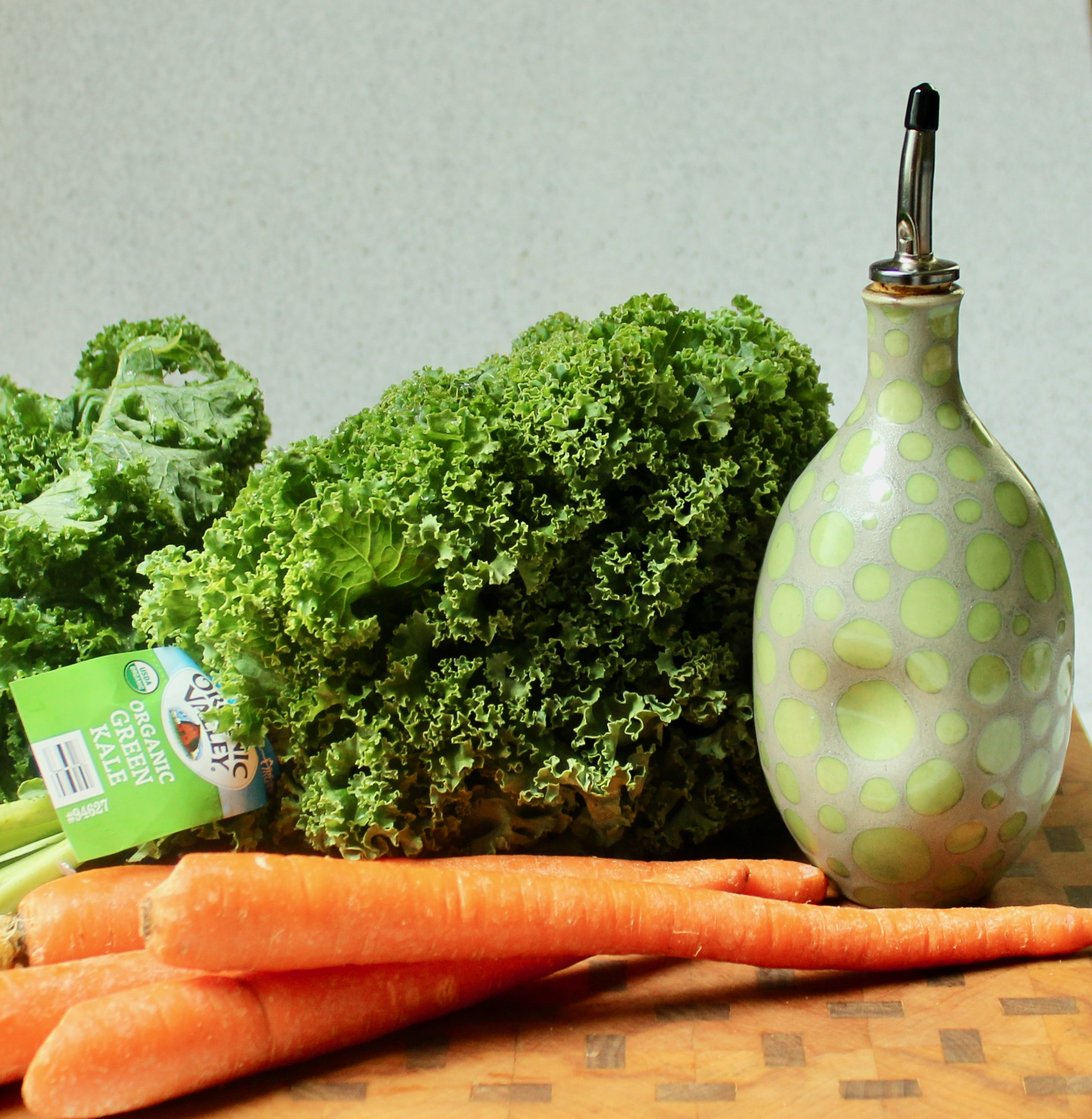 ingredients for garlicky kale and carrots