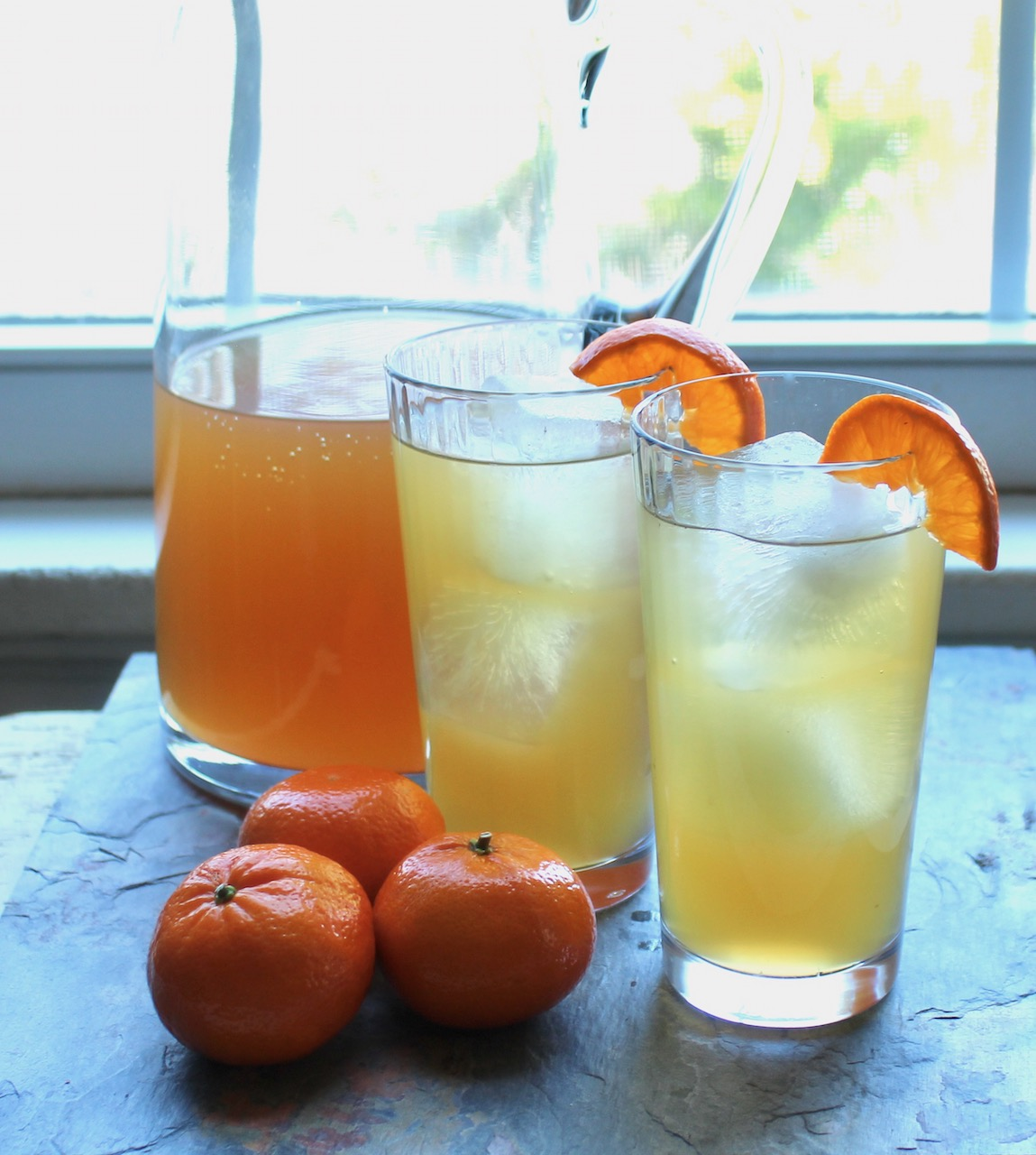 pitcher of clementine honey iced tea